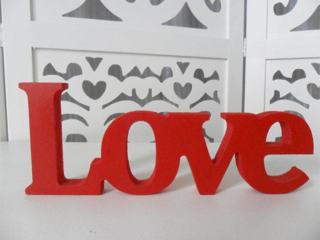 Letreiro Love Vermelho