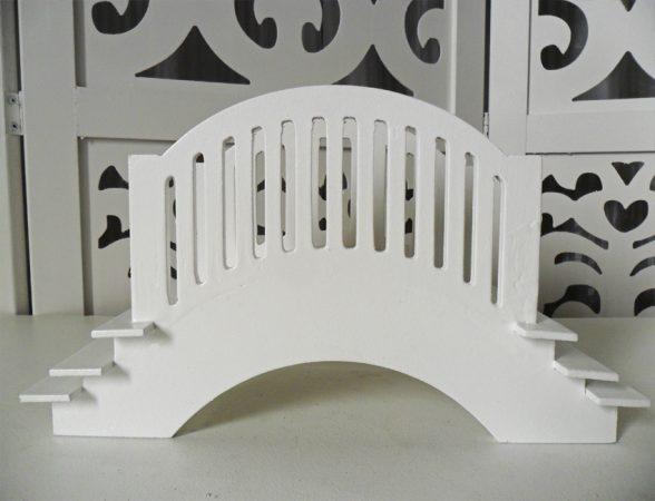 Locação de Ponte Pequena Com 3 Degraus de Mesa