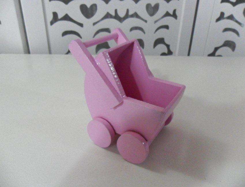 Locação de Mini Carrinho de Bebê Rosa de Mesa
