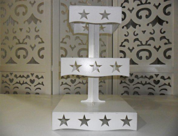 Locação de Torre Estrela Porta Doces Cupcakes