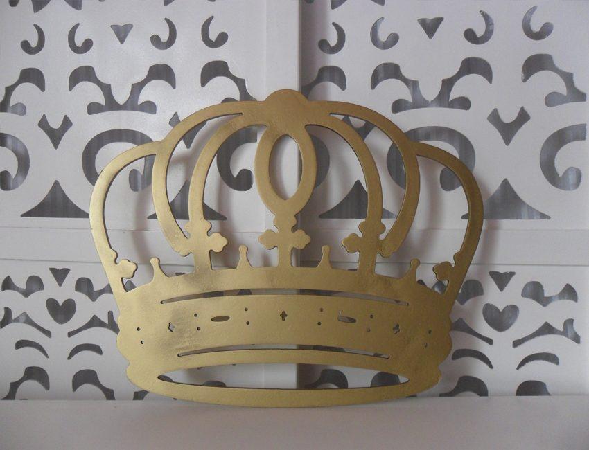 Locação de Coroa Dourada Grande Para Painel