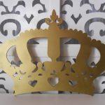Locação de Coroa Dourada Pequena Para Painel