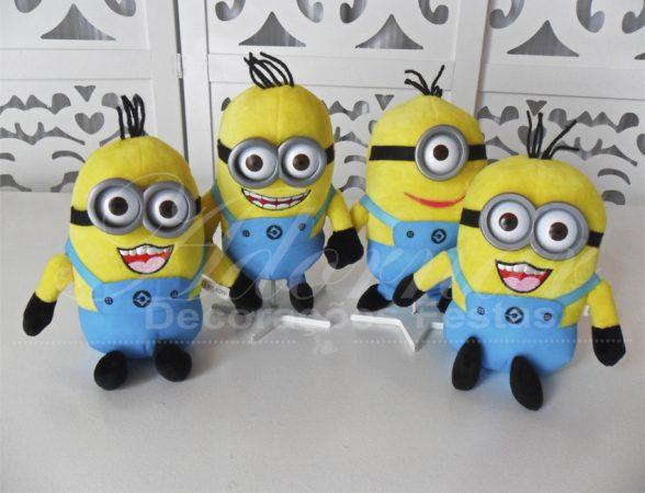 Locação de Kit Personagens Minions Para Festa Infantil