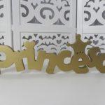 Locação de Letreiro Princesa Dourado de Mesa em Provençal