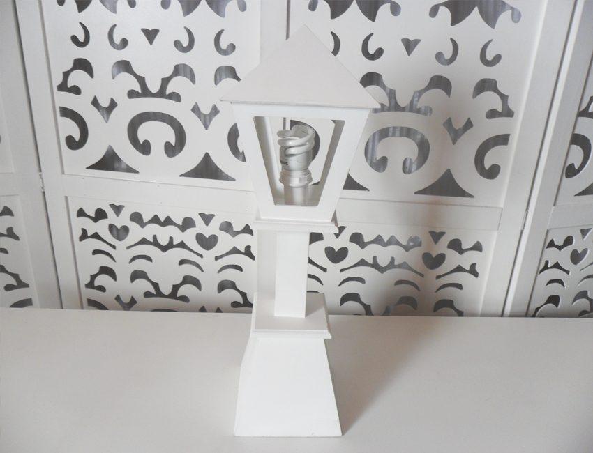 Locação de Luminária Pequena de Mesa em Provençal