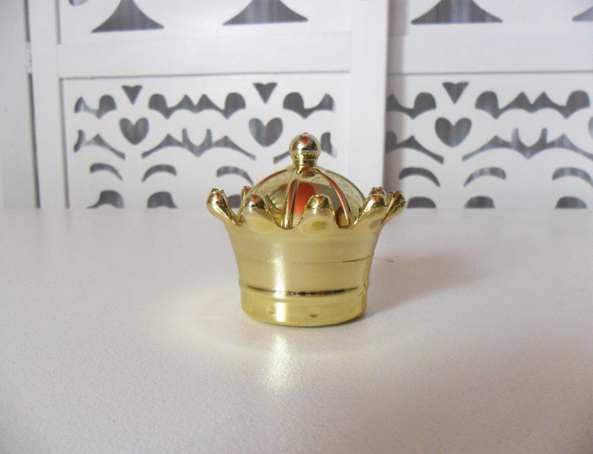 Locação de Mini Coroa Dourada de Mesa em Plástico