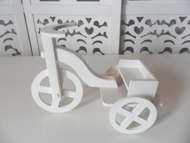 Locação de Bicicleta Triciclo Para Personagens de Mesa em Provençal