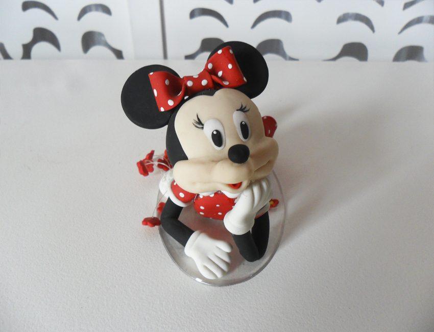 Locação de Topo de Bolo da Minnie Mouse Vermelha em Biscuit