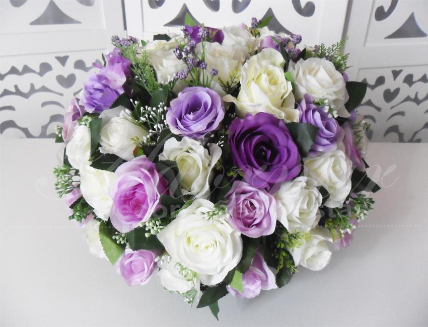 Locação de Arranjo de Flores Lilás e Branco