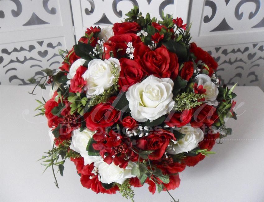 Locação de Arranjo de Flores Vermelho e Branco