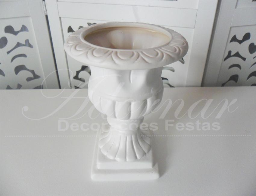 Locação de Vaso Romano Taça Raiada Grande de Porcelana