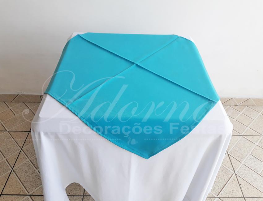 Locação de Toalha Branca Com Cobre Mancha Azul Tiffany