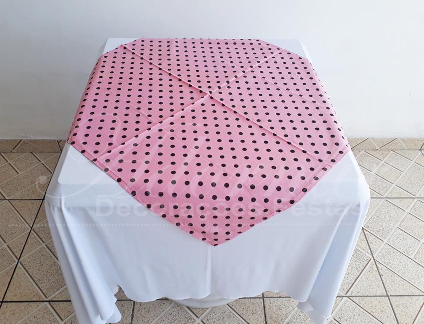 Locação de Toalha Branca Com Cobre Mancha Rosa Com Bolinha Marrom