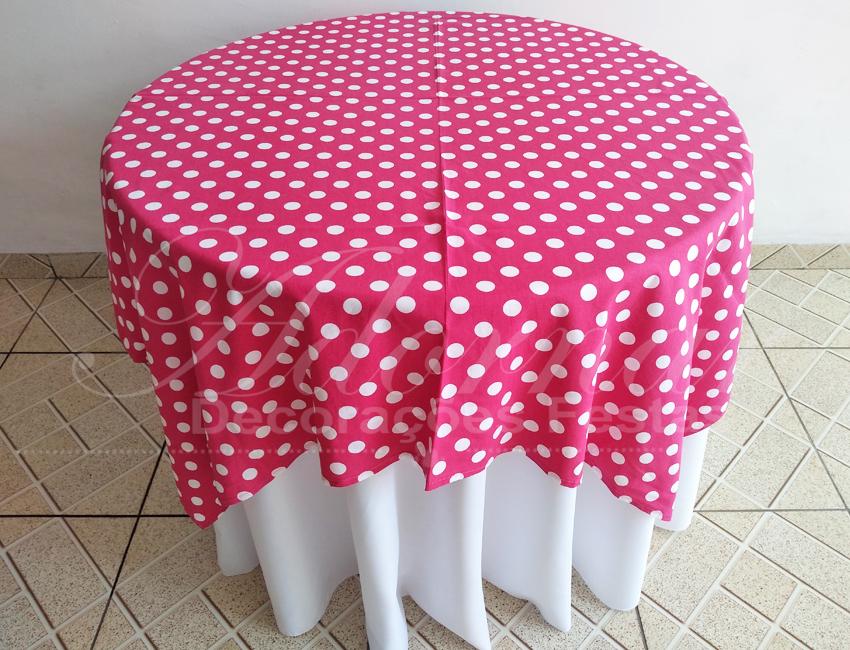 Locação de Toalha Branca Com Cobre Mancha Rosa Pink Com Bolinha Branca