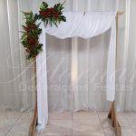 aluguel de painel de gazebo com flores vermelhas para casamento cerimonia