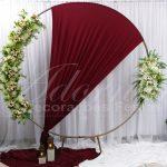 aluguel de painel redondo com flores branca e tecido marsala casamento festas